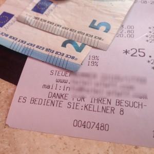 In Deutschland sind die Kellner nur noch Nummern ...